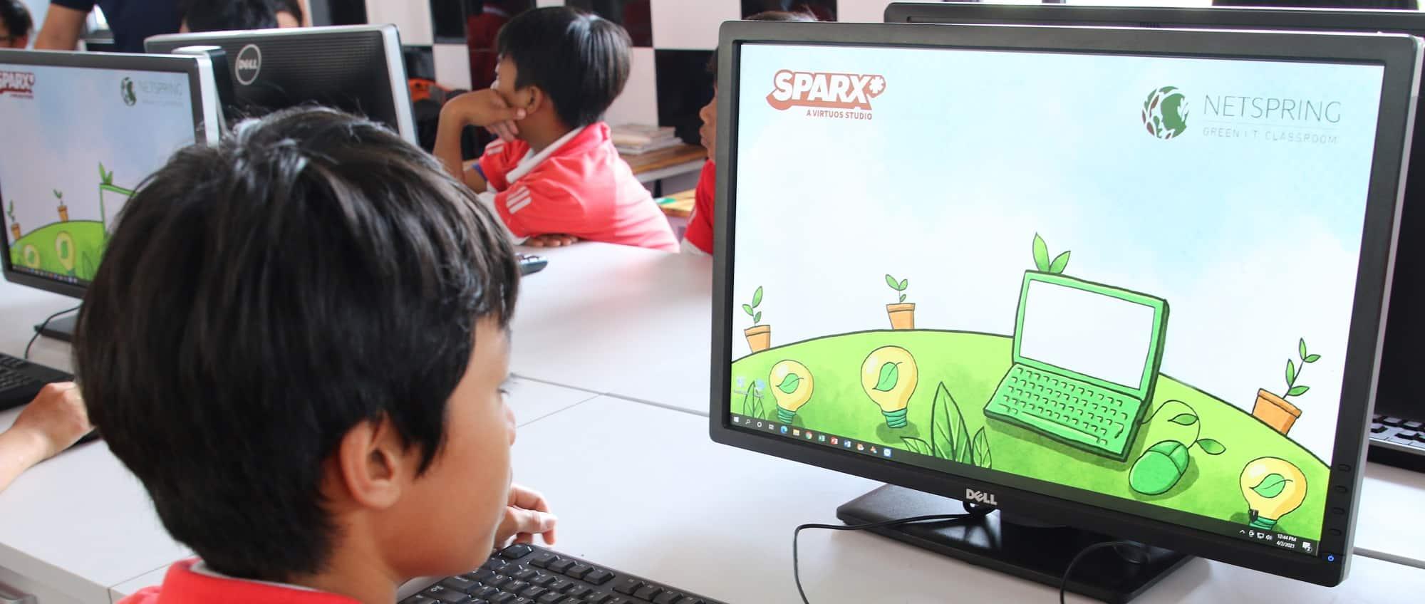 """与Sparx*一起将""""绿色IT教室""""带到越南"""